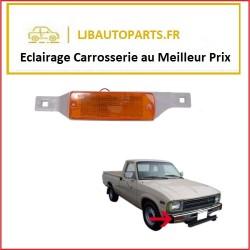 Feu clignotant droit Toyota Hilux RN35 RN45 1979 à 1984