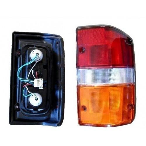 Feu arriere droit Patrol GR Y60 de 1987 à 1997 version multifonction